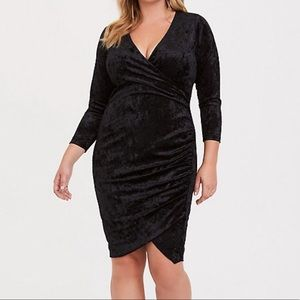 NWT TORRID Dress 5 Black Crushed Velvet Bodycon